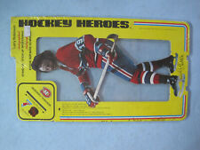 1975 NHLPA UNOPENED HOCKEY HEROES STAND UP LARRY ROBINSON FACSIMILE AUTO