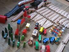 Holzeisenbahn Holzschienen Weichen Batterielok Zubehör 90 Teile Brio passend