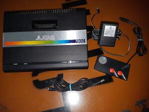 ## Atari 7800 Konsole - voll funktionstüchtig und komplett einsatzbereit ##