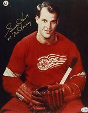 Autographed 8 x 10 Photo of Gordie Howe (Mr Hockey)