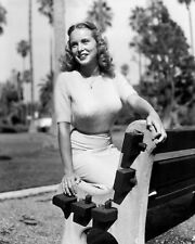 ACTRESS JANET LEIGH - 8X10 PUBLICITY PHOTO (FB-887)