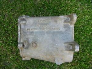 1963 CORVETTE / CHEVY MUMCIE 4-SPEED TRANSMISSION CASE #3831704