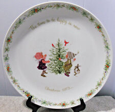HOLLY HOBBIE~1973 CHRISTMAS PLATE *THE TIME TO BE HAPPY IS NOW..CHRISTMAS 1973*
