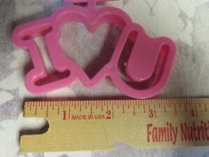 Wilton I-love-U  Pink Valentine Plastic Cookie Cutter  #509-286 - Brand NEW