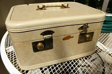 Vintage 1960s Train Travel Case Make Up Cosmetic Vanity Luggage by Rail-Aire
