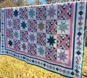 """Vintage Hand Quilted Patchwork Arch Quilts STAR Florals 80"""" x 80"""""""
