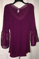 No Boundaries 2X Purple Red Lace Trim Bell Sleeve V-neck Top Trendy