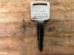 1 FORKLIFT IGNITION KEY fits Toyota New 57591-2330-71 A62597 162597 GP30
