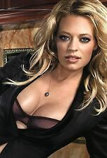 Jeri Ryan Unsigned 8x12 Photo (31)