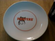 "HOOTERS RESTAURANT, CERAMIC PLATE [ HOOTERS OWL LOGO ] 8.35"" LENGTH, VINTAGE"