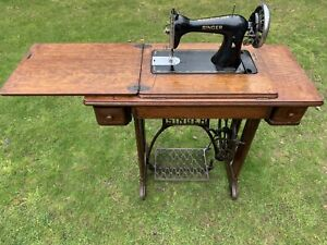 1901 Vintage Antique Singer 15K Sewing machine with stand