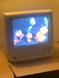 "2001 PANASONIC PV-C1331w 13"" FM-Radio OMNIVISION VHS Gaming TV Works Excellent"