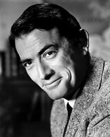 GREGORY PECK LEGENDARY ACTOR - 8X10 PUBLICITY PHOTO (ZZ-422)