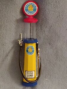 "6"" IN HEIGHT ROAD SIGNATURE CADILLAC BRANDED GAS PUMP, AUTHENTIC & COLLECTABLE!"