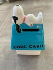 """Vintage Peanuts Snoopy """"Cool Cash"""" Willitts Ceramic Dime Bank W/Stopper Nice"""