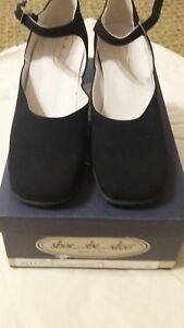 shoe be doo girls size 36 european,  black fabric dress shoe NIB