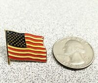 100 units- American Flag USA Lapel Pin United States Patriotic Badge Brooch Gold