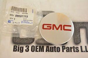 2007-2009 GMC Acadia 19 x 7.5 Aluminum Wheel Center Hub Cap new OEM 9597723