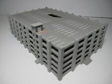 "Airport Accessories 1:400 Scale Parking Garage ""GRAY"""