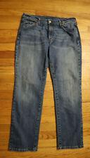 WOMEN'S STRAIGHT LEG JEANS - LEVI'S - MEDIUM WASH - SIZE 14 SHORT