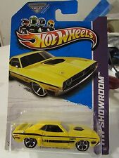 Hot Wheels '71 Dodge Challenger HW Showroom Yellow