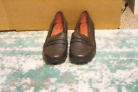 Tommy Hilfiger Women's Brown Heeled Loafers Size 7M