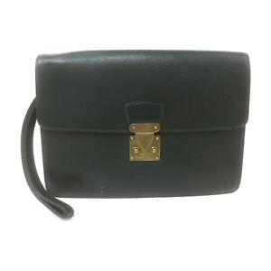 Louis Vuitton LV Clutch Bag M3d94Kouradtaiga Greens 1537402