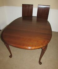 ETHAN ALLEN GEORGIAN COURT CHERRY QUEEN ANNE DINING ROOM TABLE, 2 LEAVES  11 6214