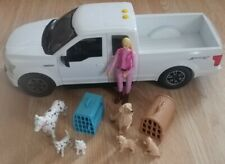 Ford f150 Sport 4x4 White Pickup Truck Lights & Sounds W/ Girl & Dog Figures