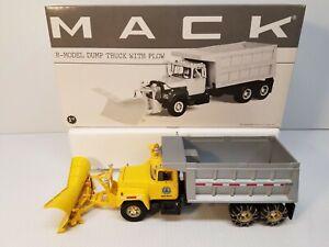 First Gear 1/34 Mack R-Model Dump Truck With Snow Plow PA DOT Penn Dot R600