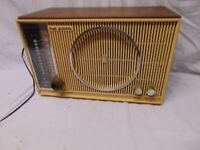 Vintage Zenith AM-FM shelf Radio H 845 Made in USA 35 watts 117 V Chassis 8H20