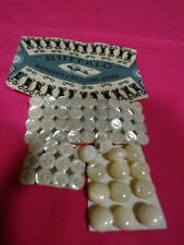 grand LOT=boutons nacre(71)blancs tres anciens   et aggrafes  mercerie ancienne