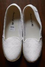 New Women's 'American Eagle' Size 8 -White Casual Slide on Flat Shoes