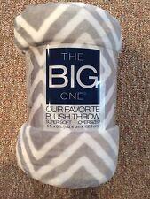 New SOFT Big one Super Plush Oversized Gray GeoThrow Blanket 5'x6 DORM Cozy Warm