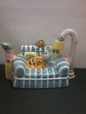 Cardinal Inc 1995 cats on couch teapot