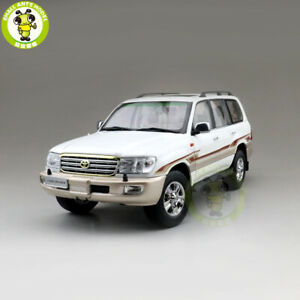 1/18 Toyota Land Cruiser LC100 Diecast SUV Car Model Toys for gifts White