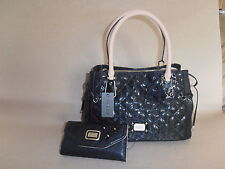 GUESS PURSE WITH WALLET BLACK COLOR 100% AUTHENTIC NICE & CHEAP!