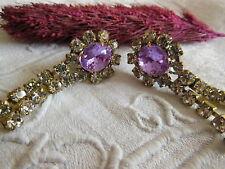 belles boucles d'oreilles strassblanc et violet pendantes dormeuses