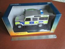 Universal Hobbies 1/18 - UH3885 Land Rover Defender 110 Station Wagon - Police