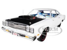 "1969/5 PLYMOUTH ROAD RUNNER WHITE ""LOONEY TUNES"" 1/18 DIECAST AUTOWORLD AMM1147"