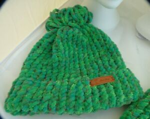 super chunky Green Brim Pompom Hat flower tag -hand made- 8in x10in- Brand New