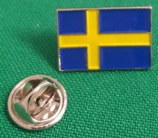 Sweden / Swedish Flag Enamel & Metal Lapel Gift/ Pin Badge - 20mm BRAND NEW