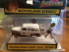 Woodland Scenics / AUTO SCENES #5551 - Dog Gone Animal Control HO Scale AS5551