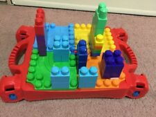 Mega bloks table with 90 pieces