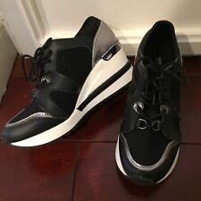Michael Kors Girls Kids Scout Scuba Wedge Sneakers NWOB Size 1 Black