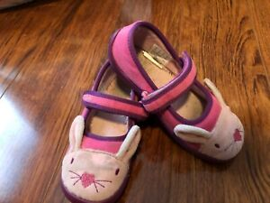 US Sz 10 Clarks Bunny Shilo Candy Slippers Machine Washable light pink