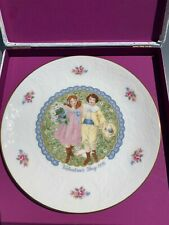 1976 Vintage Royal Doulton Valentine's Day Collector's Plate With Original Box