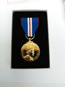 Queens full size Golden Jubilee Medal  2002  in Box + C.O.A.