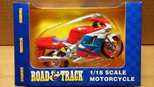 MAISTO Die-Cast - 1/18 Scale Motorcycle Red/white/blue Yamaha FZR600R Sport Bike
