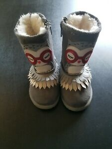 Toddler Girl Gray Owl Boots Size 6 EUC